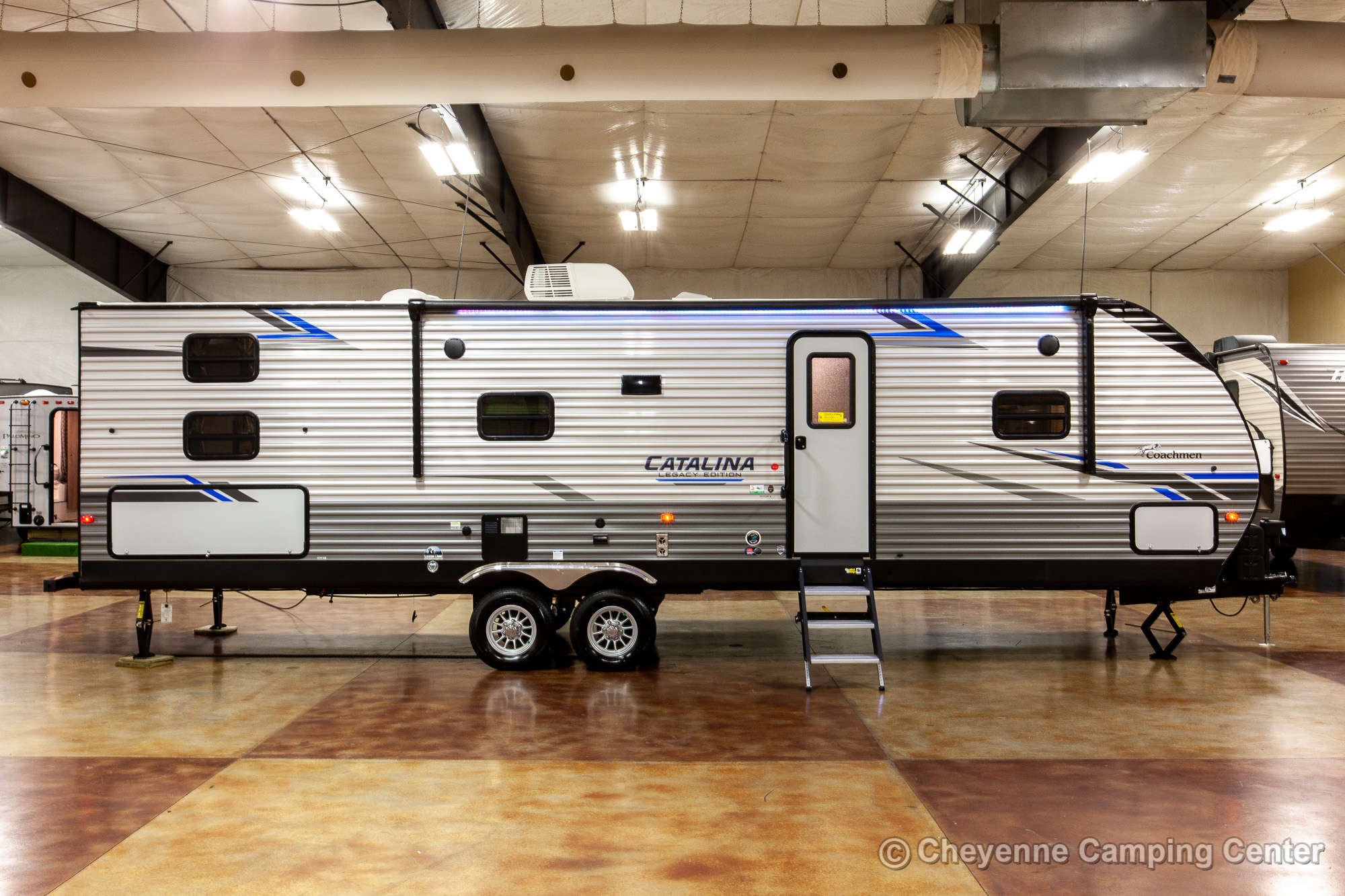 2021 Coachmen Catalina Legacy Edition 303QBCK Bunkhouse Travel Trailer Exterior Image