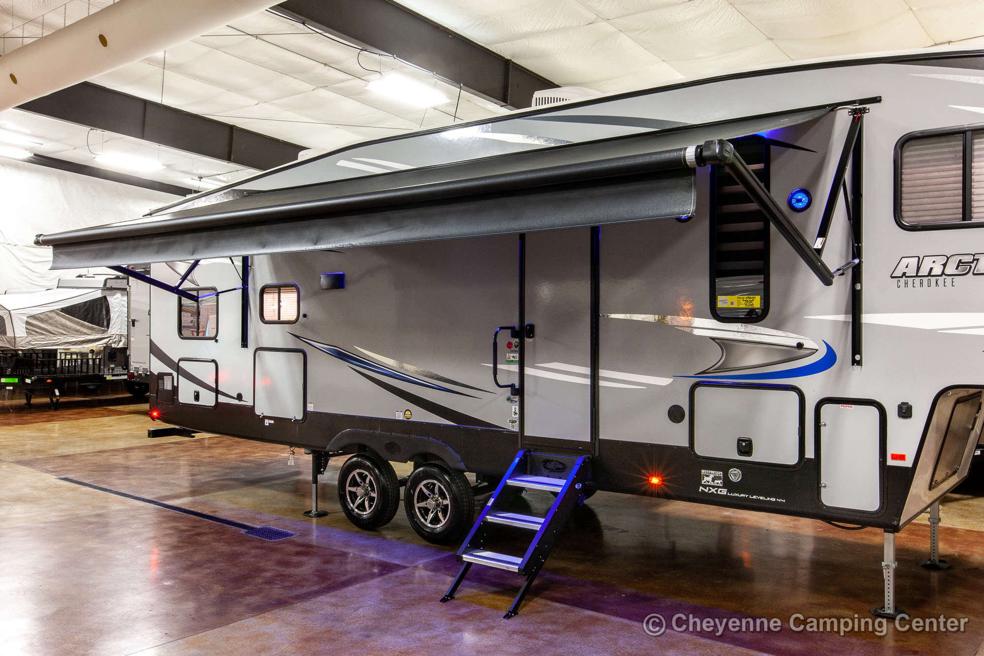 2021 Forest River Cherokee Arctic Wolf 287BH Bunkhouse Fifth Wheel Exterior Image