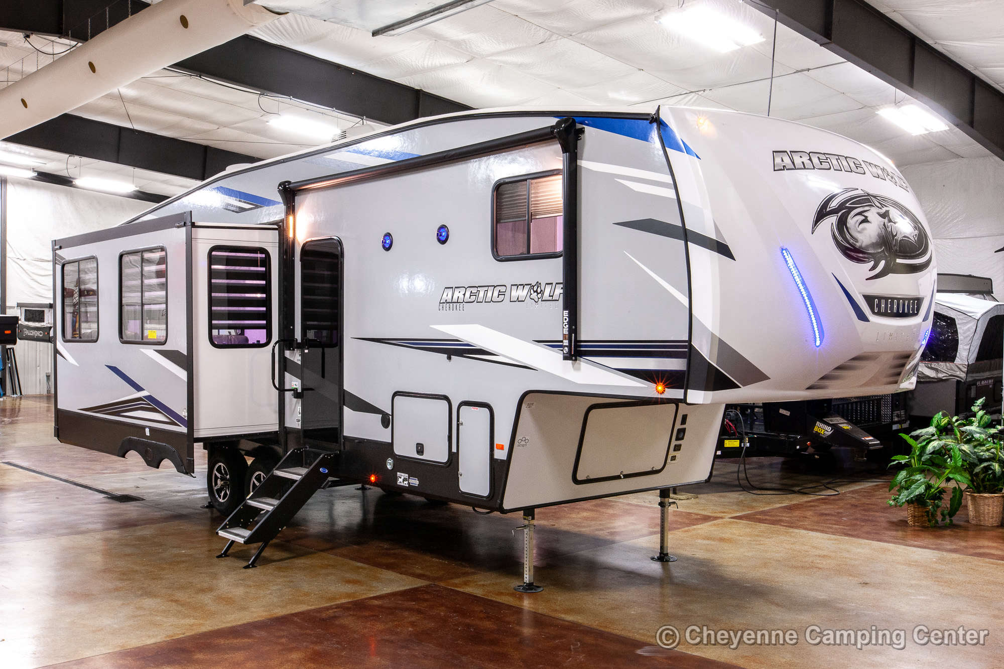 2021 Forest River Cherokee Arctic Wolf 291RL Fifth Wheel