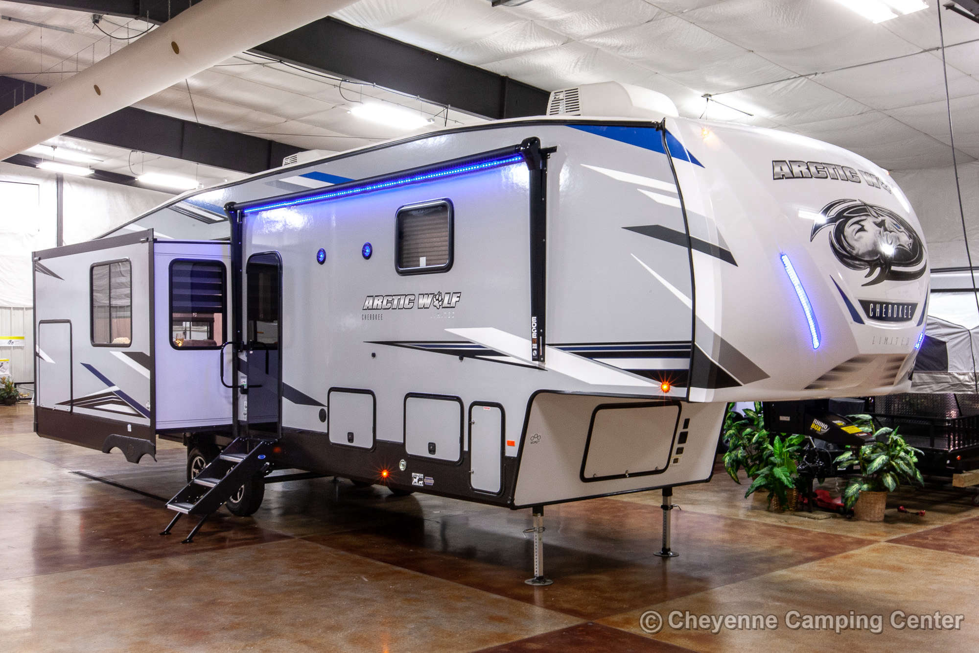 2021 Forest River Cherokee Arctic Wolf 3550SUITE Fifth Wheel