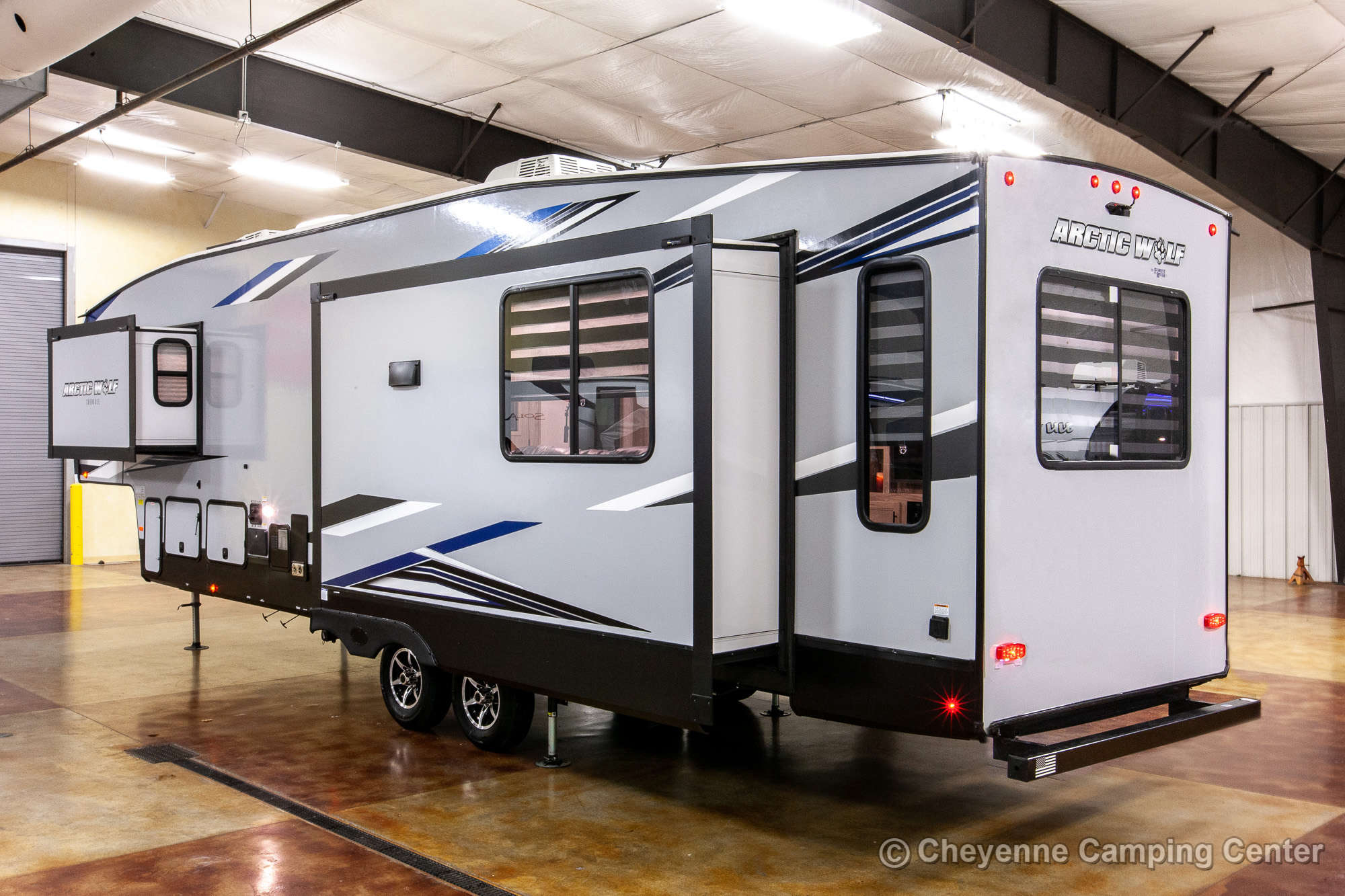 2022 Forest River Cherokee Arctic Wolf 3550SUITE Fifth Wheel Exterior Image
