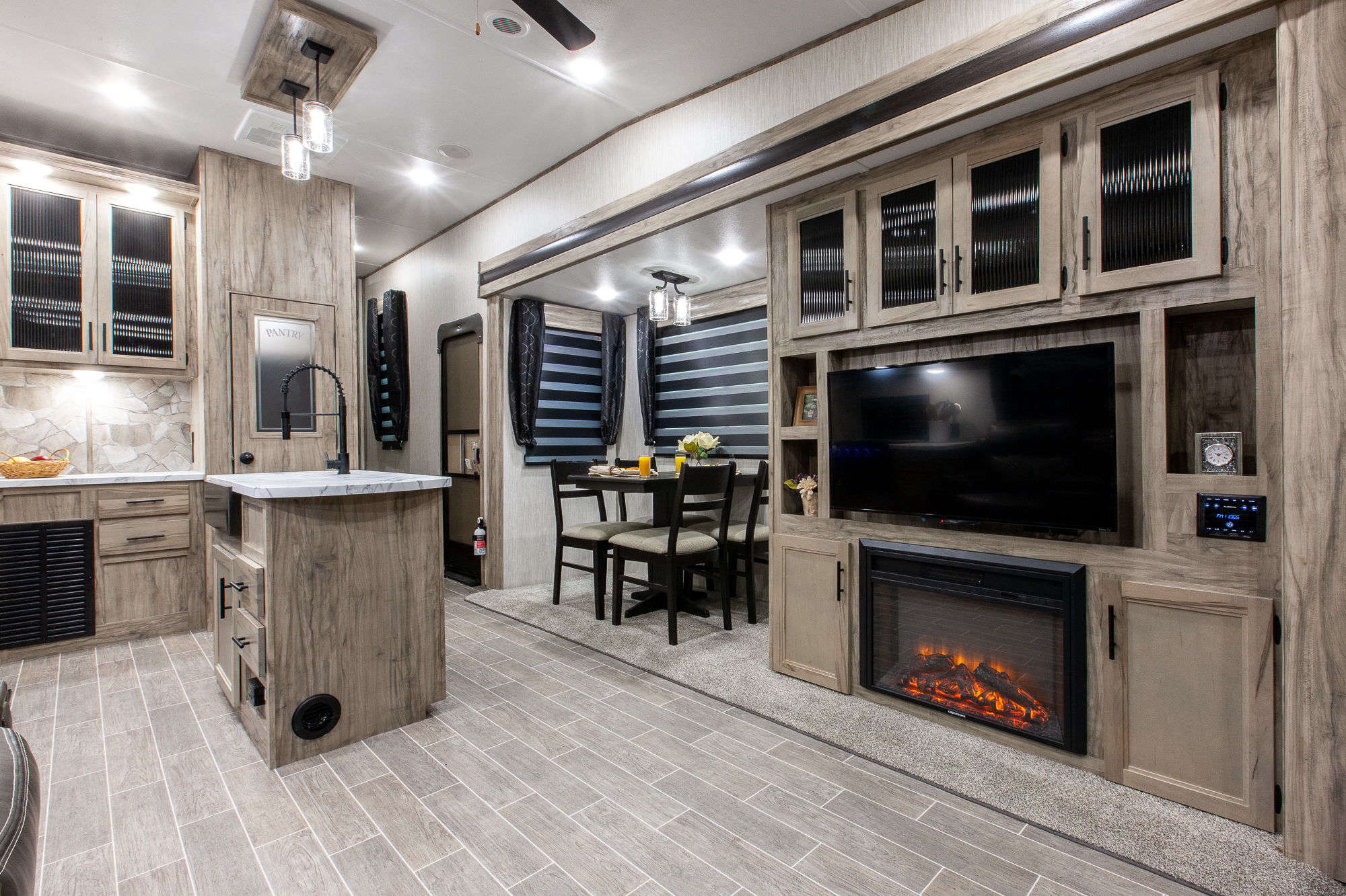2021 Forest River Cherokee Arctic Wolf 3550SUITE Fifth Wheel Interior Image