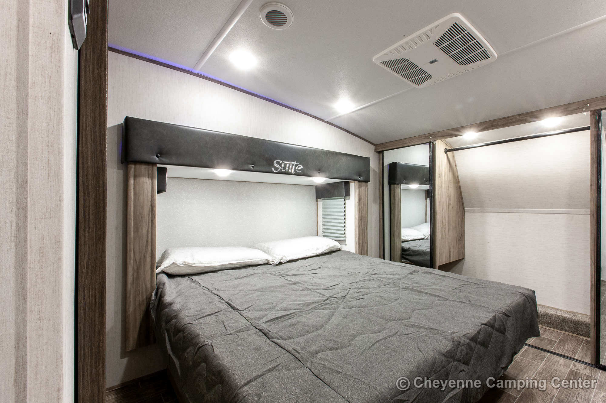 2021 Forest River Cherokee Arctic Wolf 3880SUITE Bunkhouse Fifth Wheel Interior Image