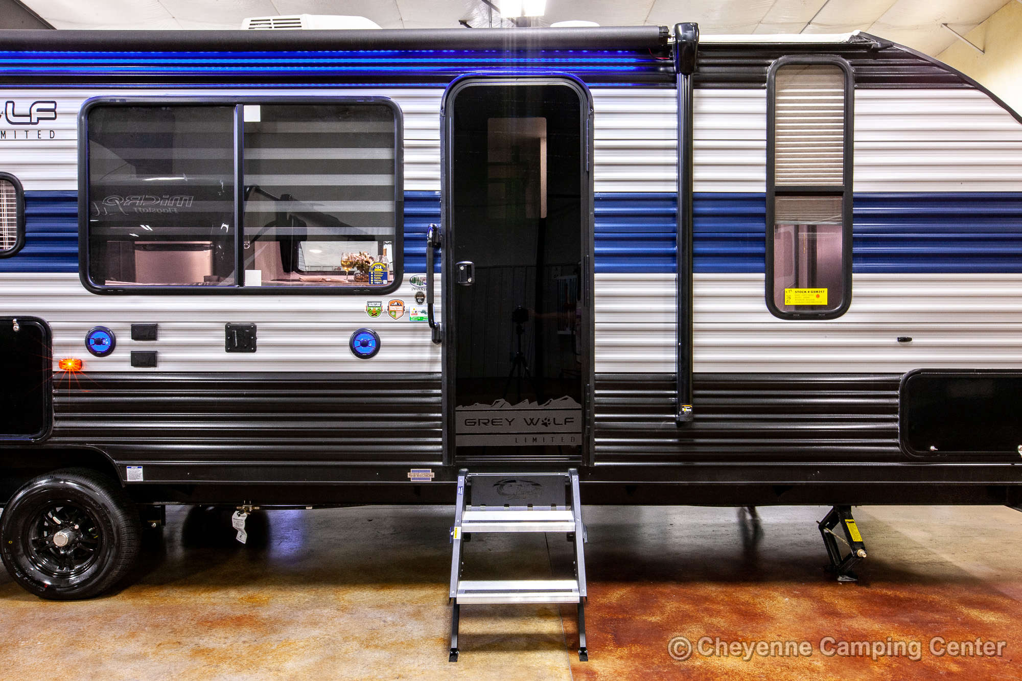 2021 Forest River Cherokee Grey Wolf 26BRB Bunkhouse Travel Trailer Exterior Image