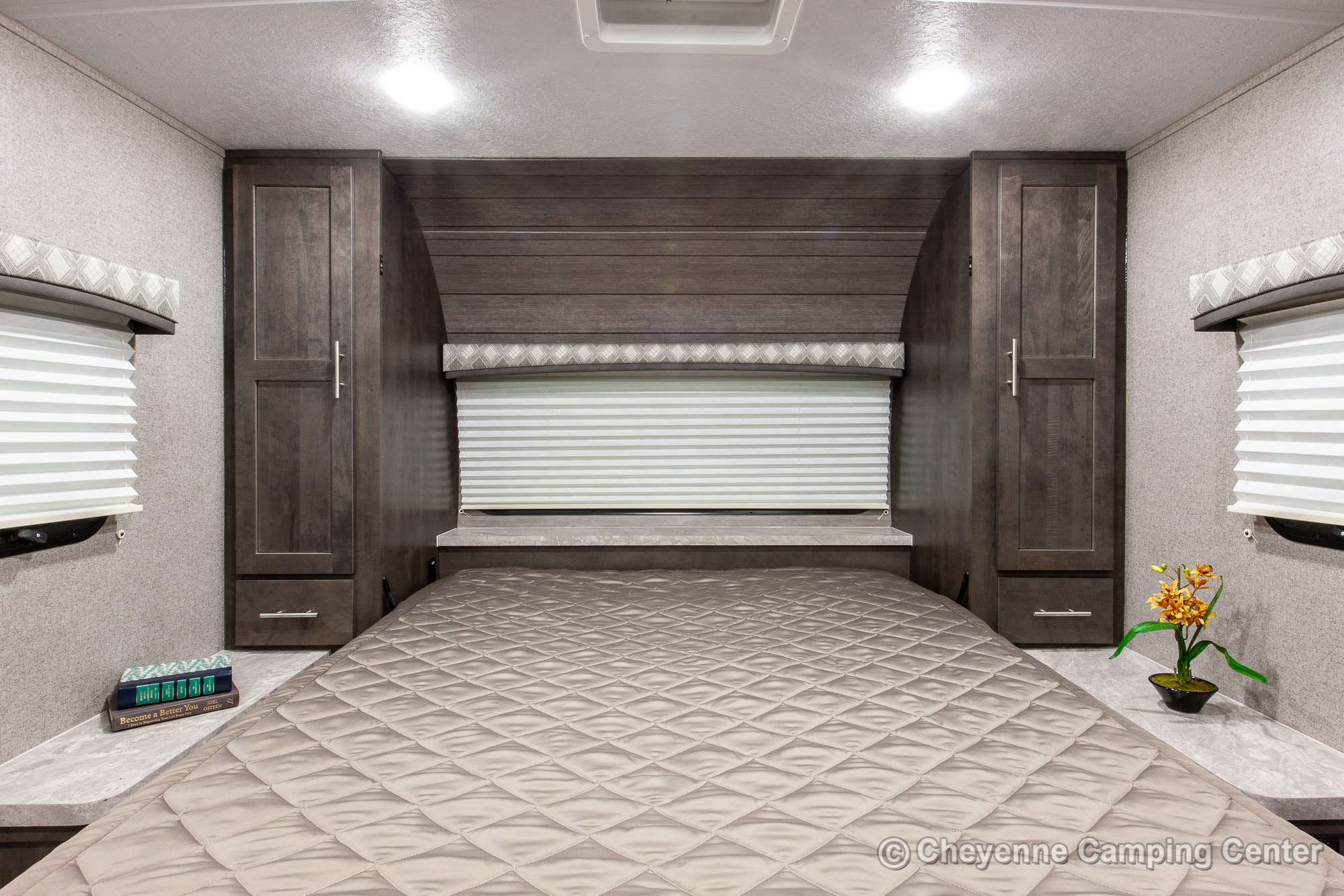 2020 Forest River Flagstaff Micro Lite 21DS Travel Trailer Interior Image