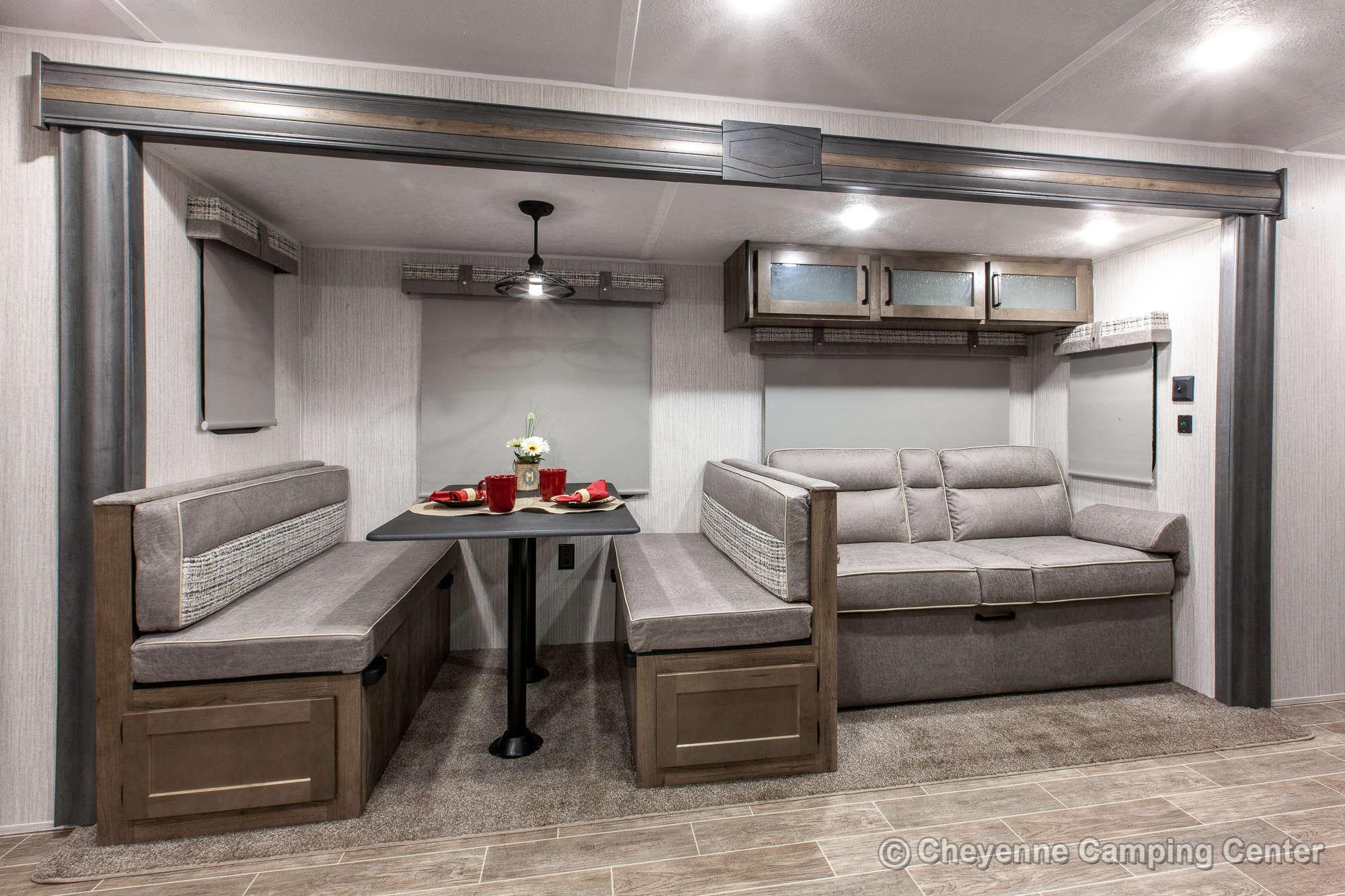 2021 Palomino Puma 25RKQB Travel Trailer Interior Image