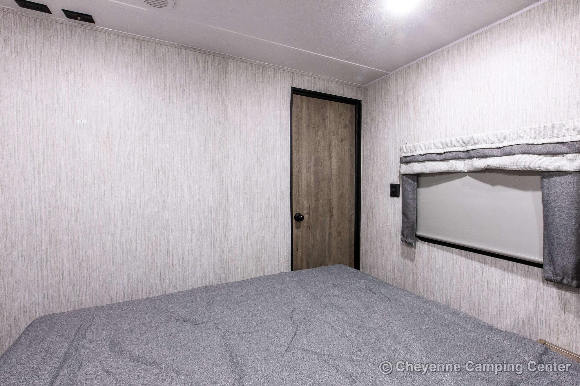 2022 Palomino Puma 25RKQB Travel Trailer Interior Image