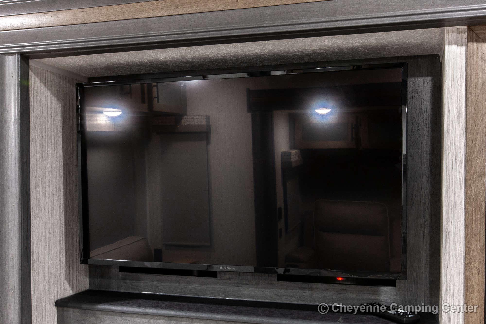 2021 Palomino Puma 31RLQS Travel Trailer Interior Image