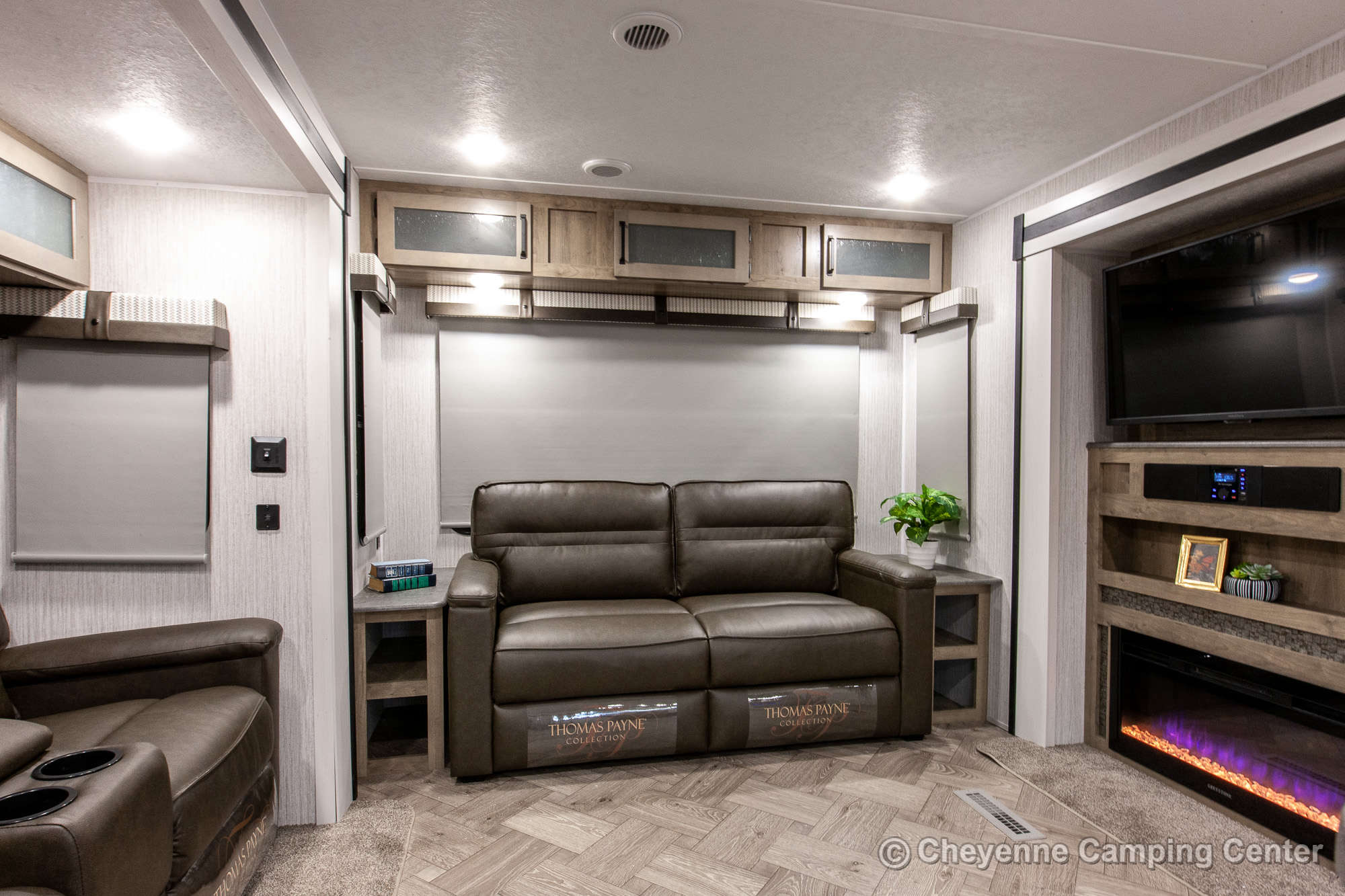 2021 Palomino Puma 31RLQS Travel Trailer Interior Image