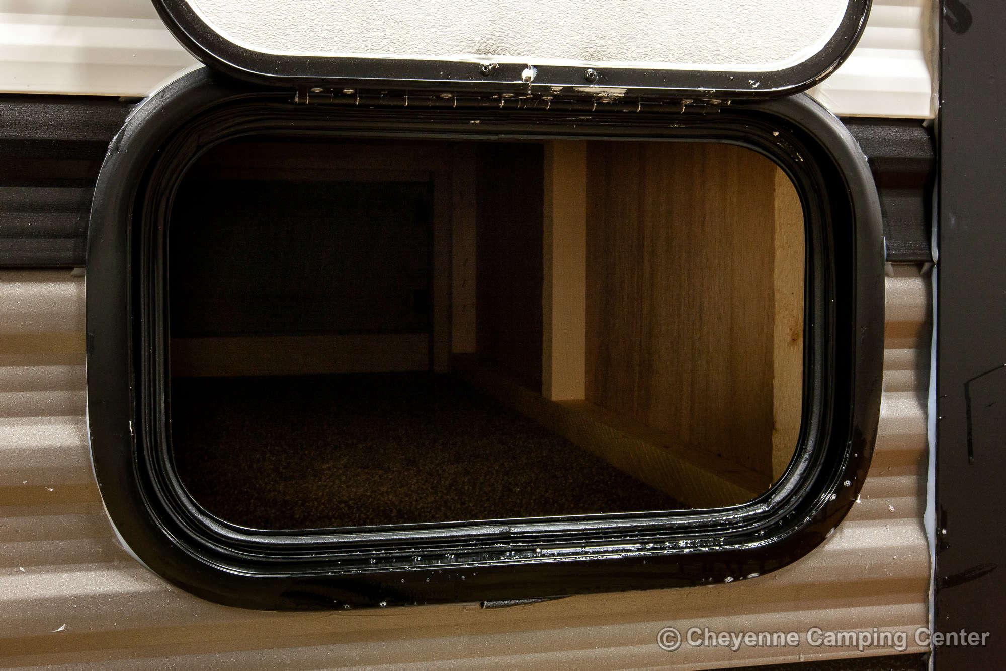 2021 Palomino Puma 32BHQS Bunkhouse Travel Trailer Exterior Image