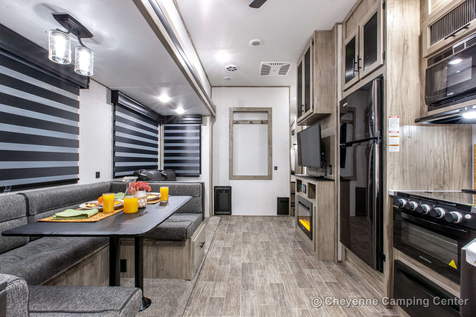 2021 Forest River Cherokee Arctic Wolf 287BH Bunkhouse Fifth Wheel Interior Image