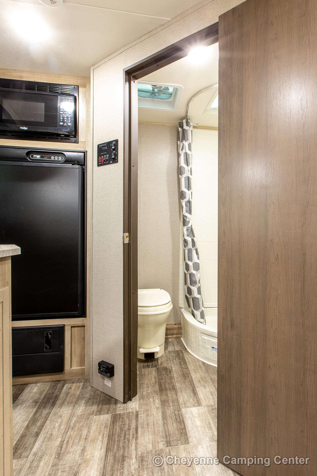 2022 Coachmen  Catalina Expedition 192FQS Travel Trailer Interior Image