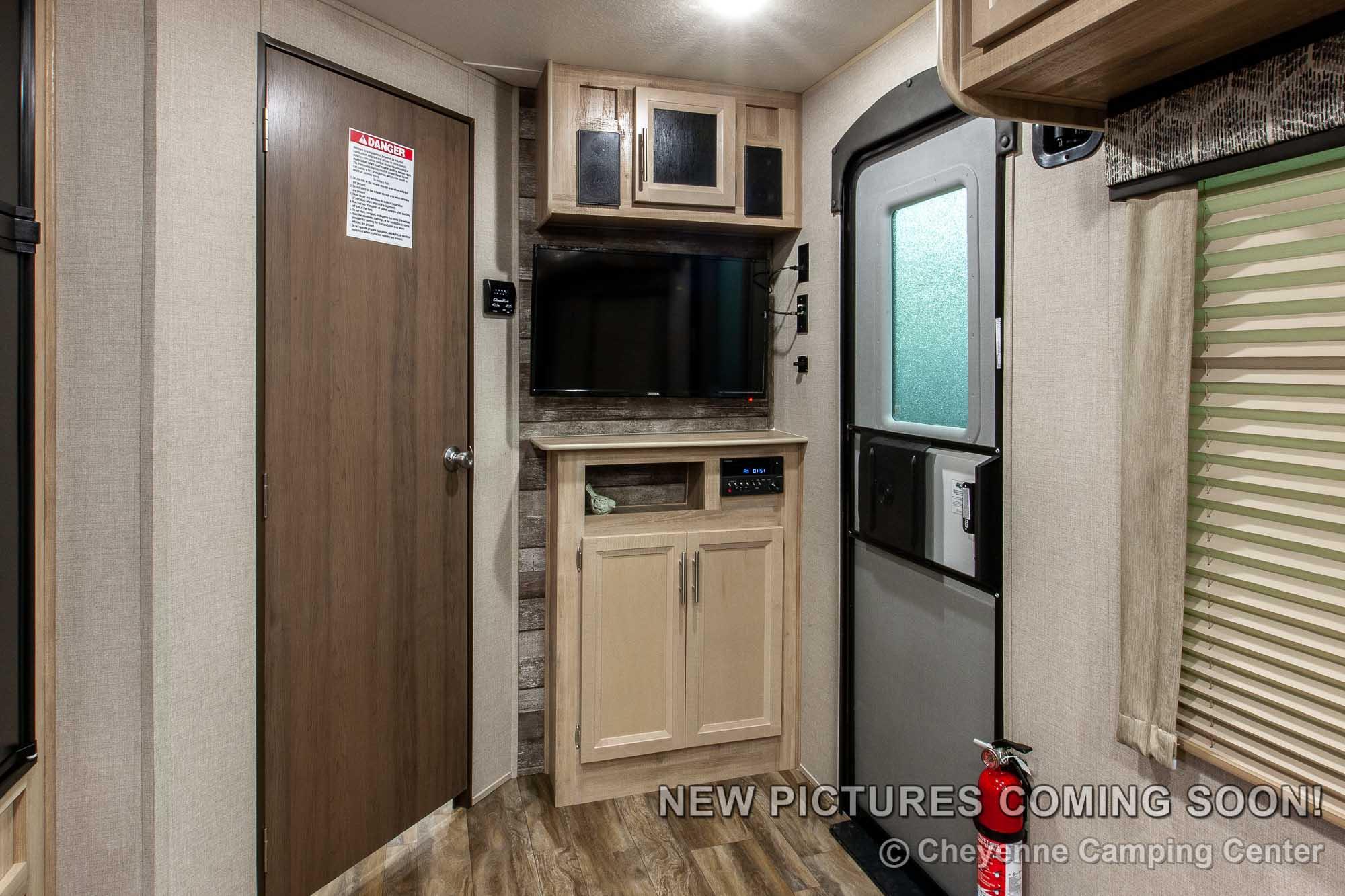 2021 Coachmen Catalina Trail Blazer 26TH Toy Hauler Travel Trailer Interior Image