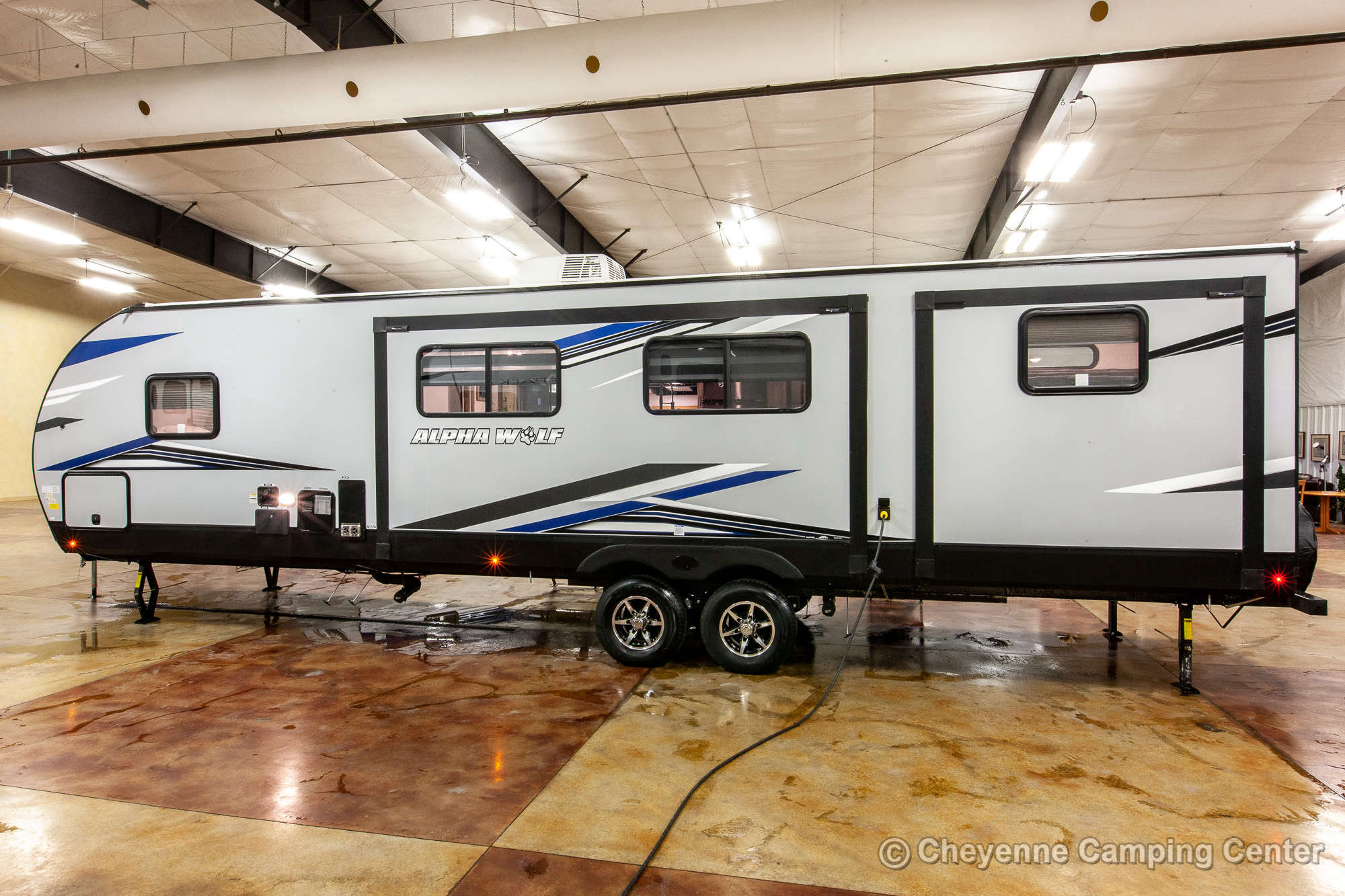 2022 Forest River Cherokee Alpha Wolf 33BH-L Bunkhouse Travel Trailer Exterior Image