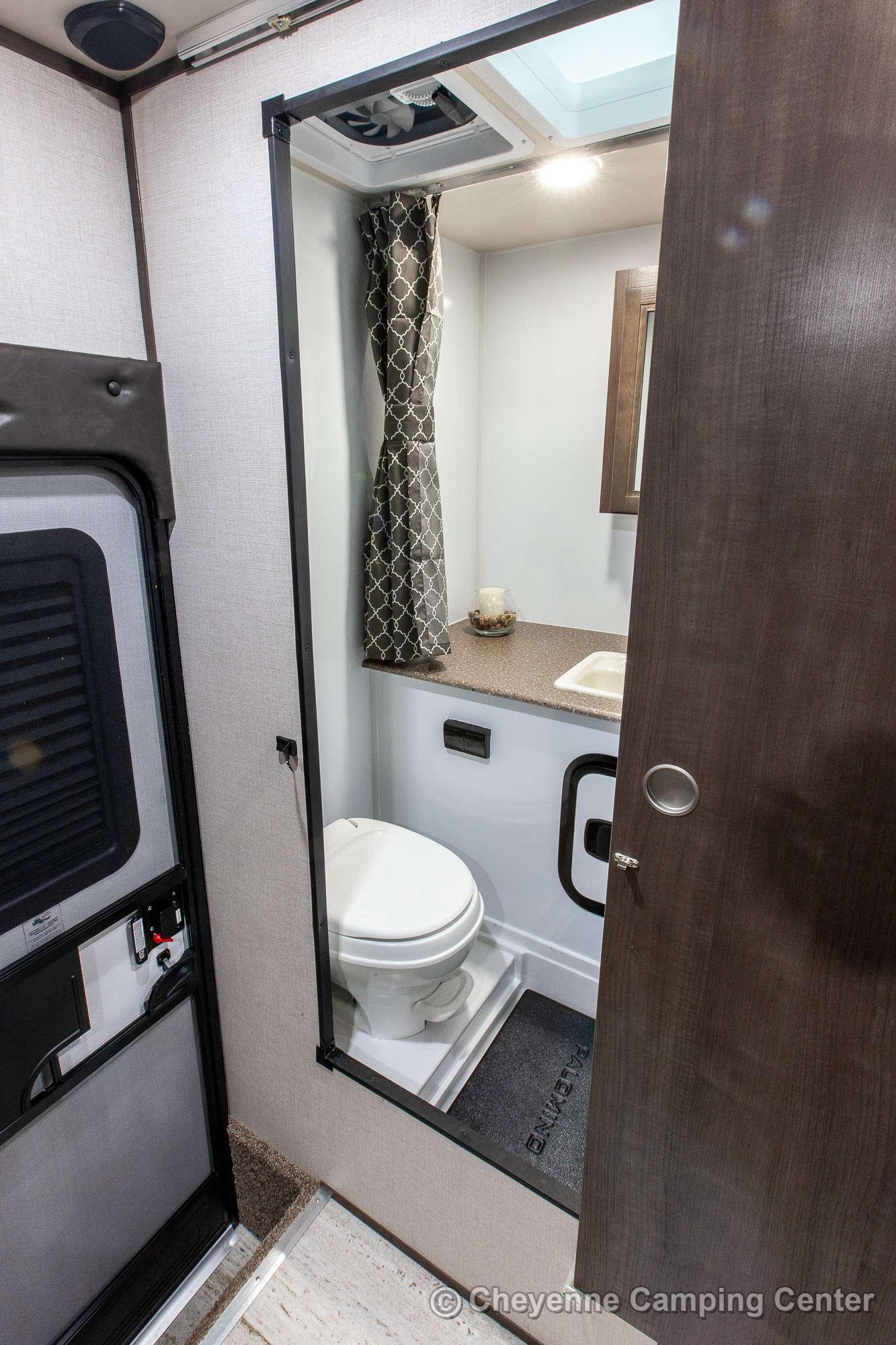 2020 Palomino BackPack HS-2902 Truck Camper Interior Image