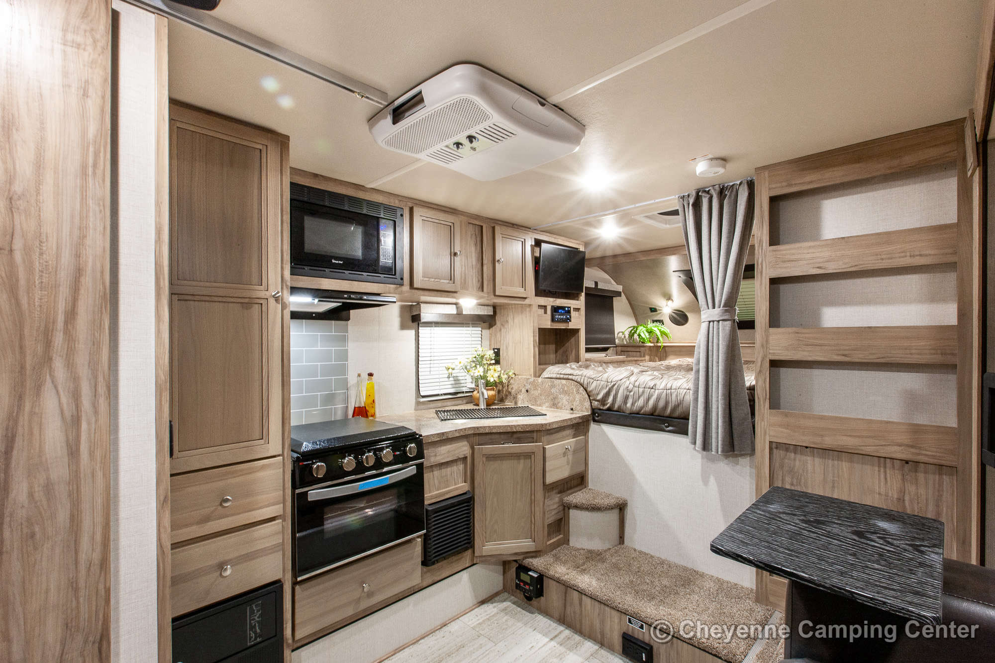 2021 Palomino BackPack HS-2910 Truck Camper Interior Image