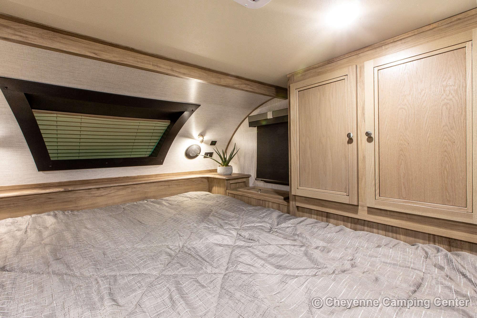 2021 Palomino BackPack HS-2910 Truck Camper Interior Image