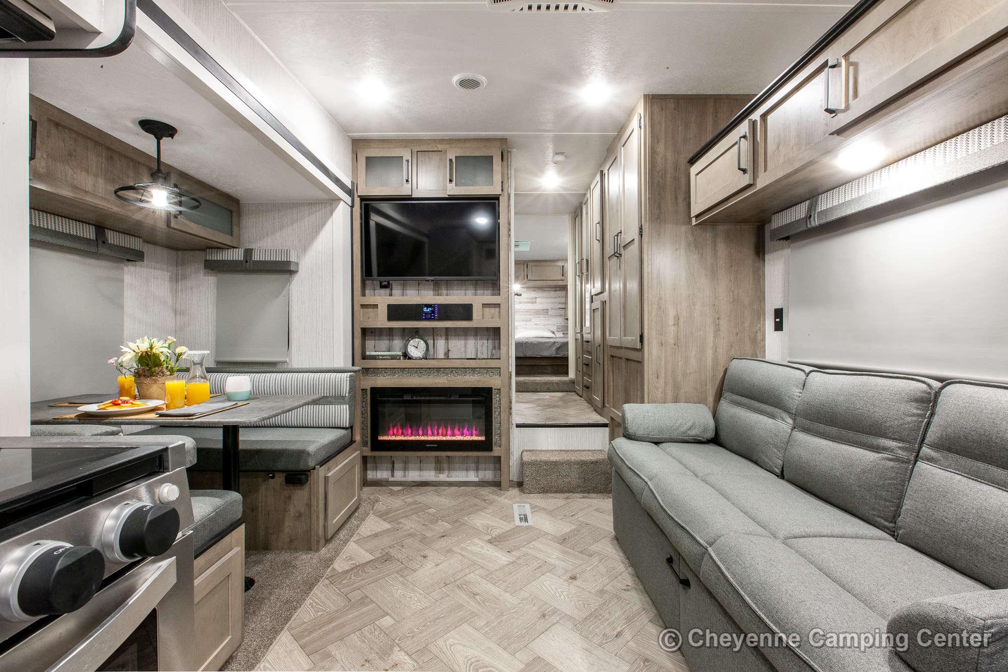 2021 Palomino Puma 255RKS Fifth Wheel Interior Image