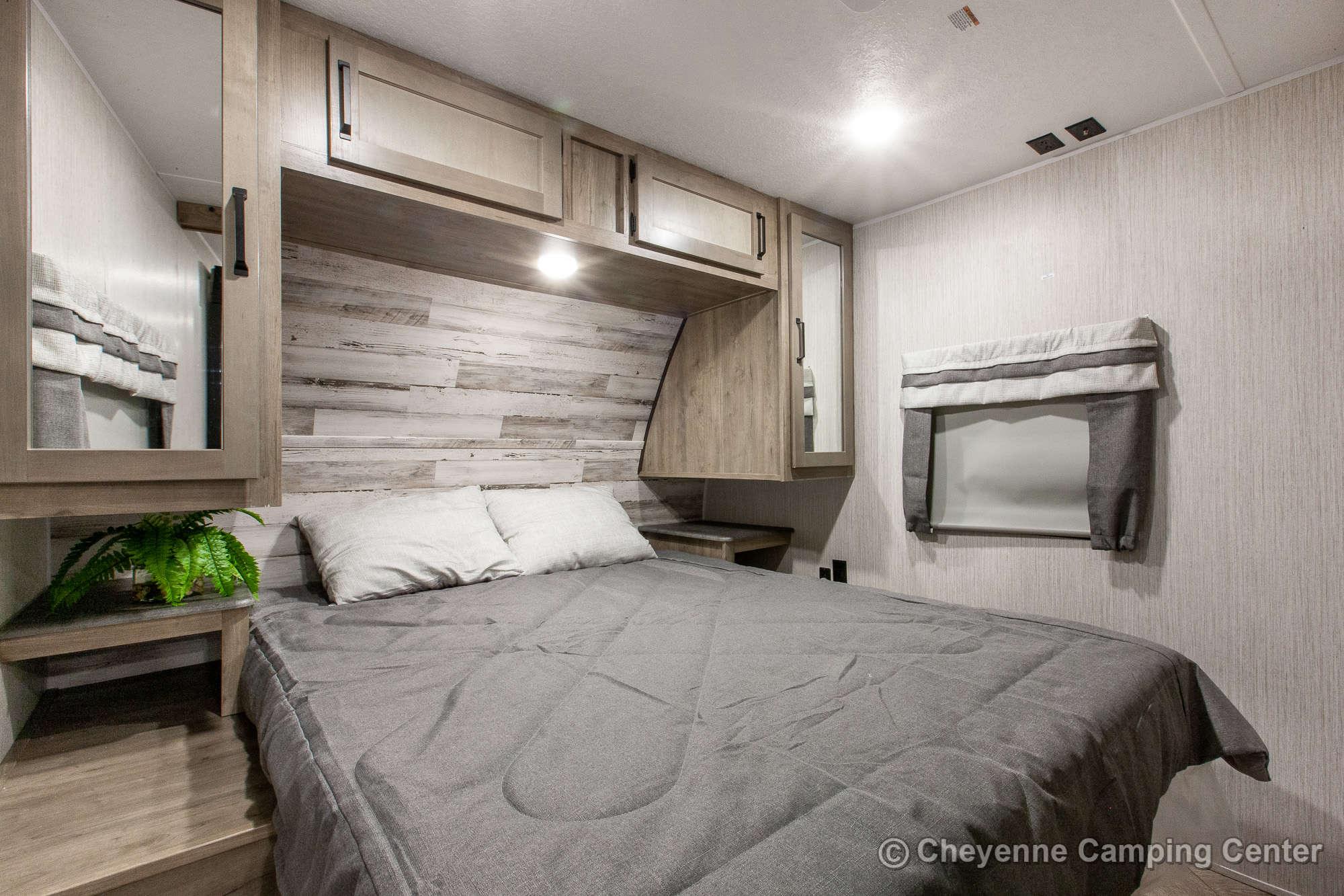 2021 Palomino Puma 26RBSS Travel Trailer Interior Image