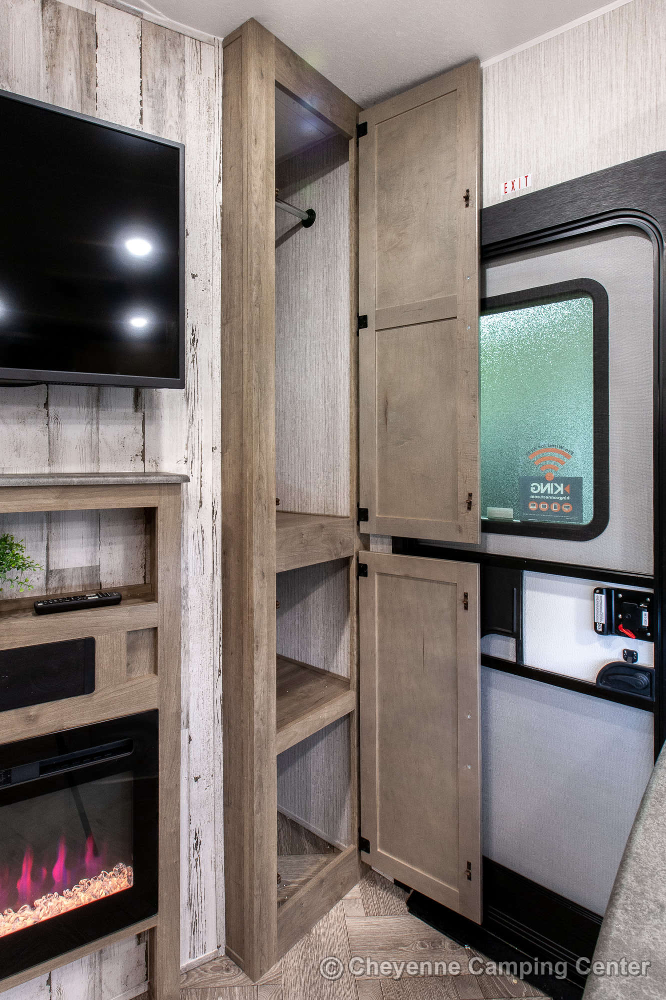 2021 Palomino Puma 289BHS Bunkhouse Fifth Wheel Interior Image