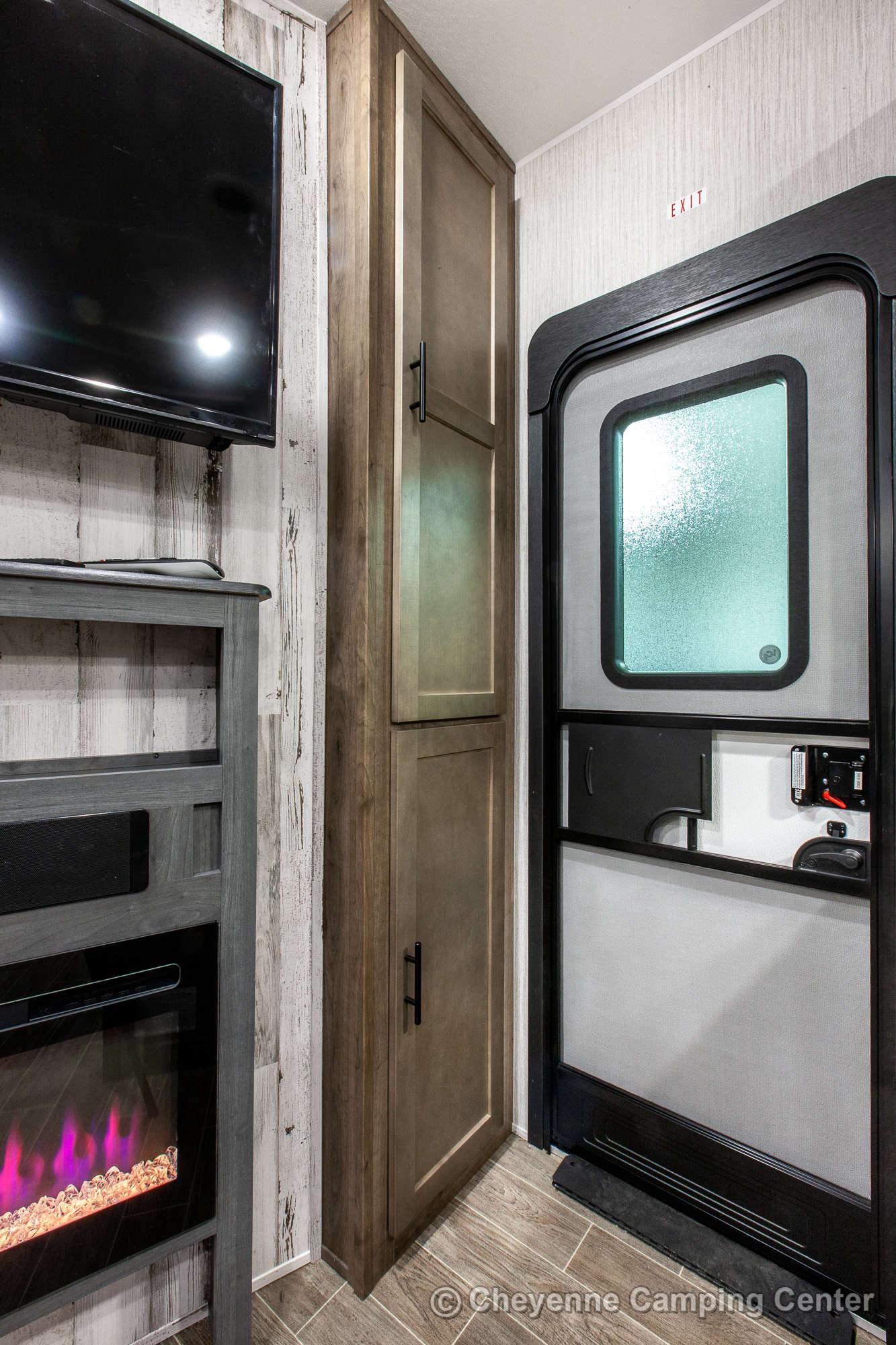 2021 Palomino Puma Unleashed 382THS Bunkhouse Toy Hauler Fifth Wheel Interior Image
