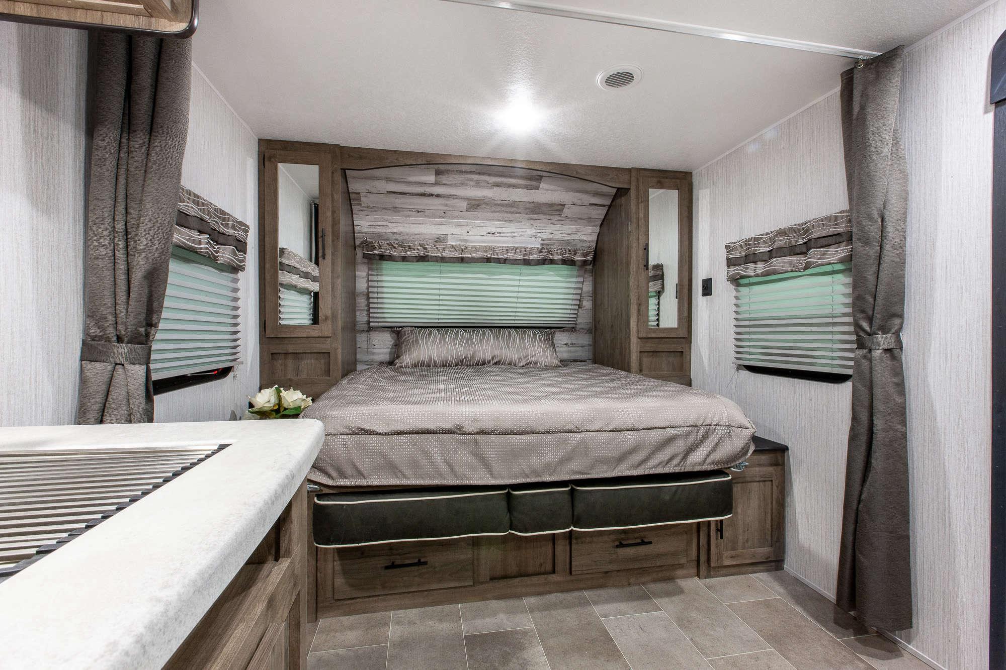 2021 Palomino Puma XLE Lite 20MBC Bunkhouse Travel Trailer Interior Image